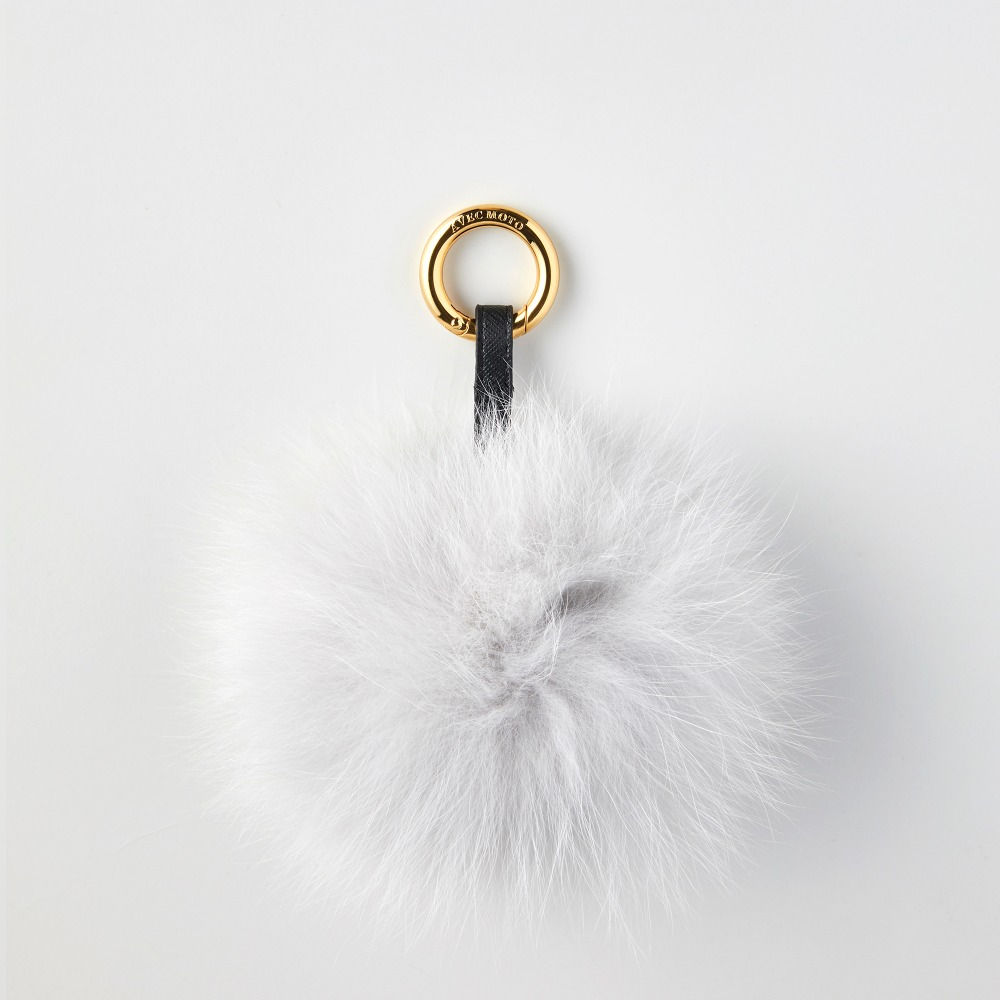 FOX POMPOM LIGHT GREY